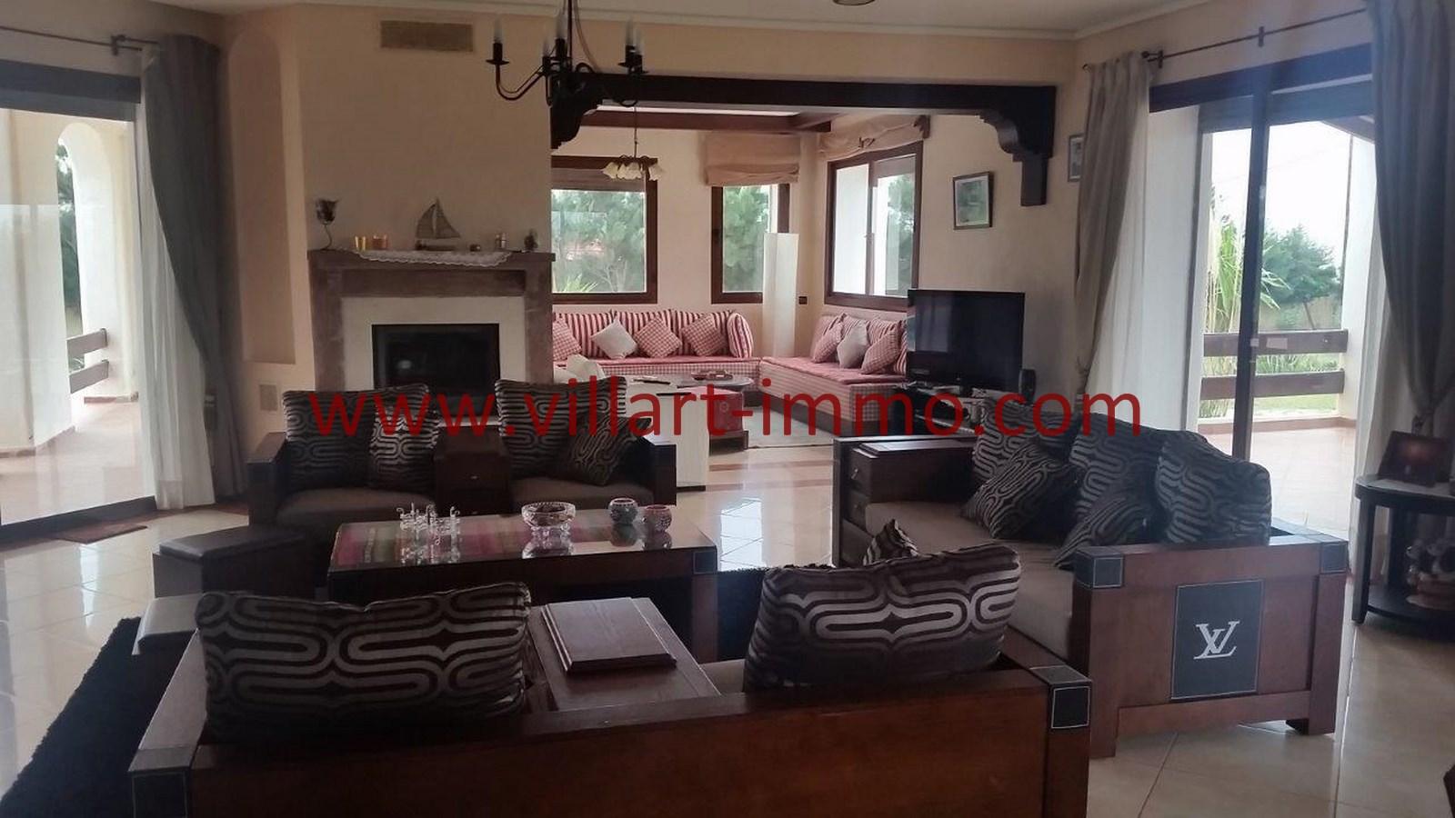 1-a-louer-villa-meublee-tanger-achakar-salon-1-lsat914-villart-immo