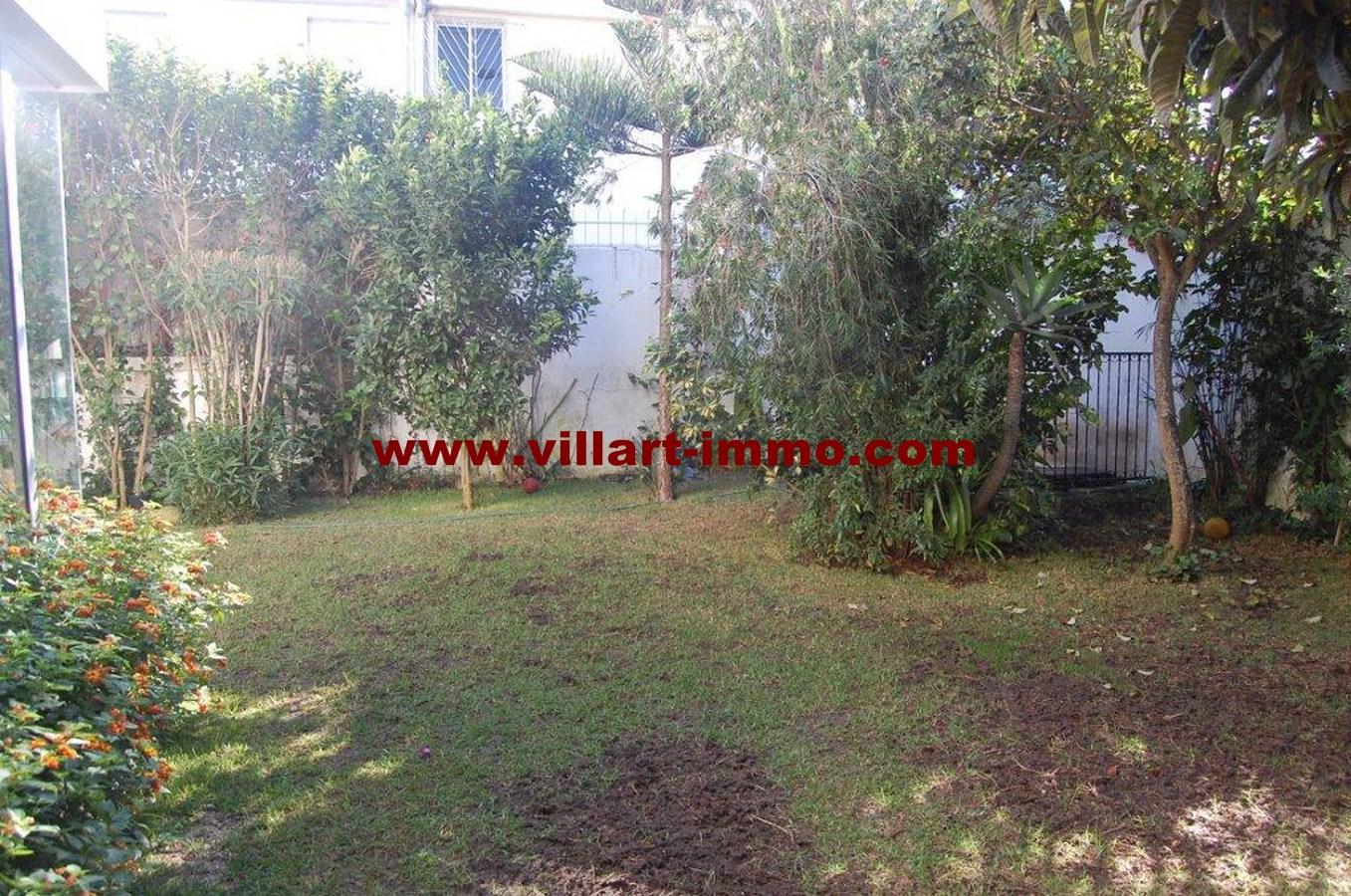 1-a-vendre-tanger-villa-californie-jardin-1-vv461-villart-immo-agence-immobiliere-copier