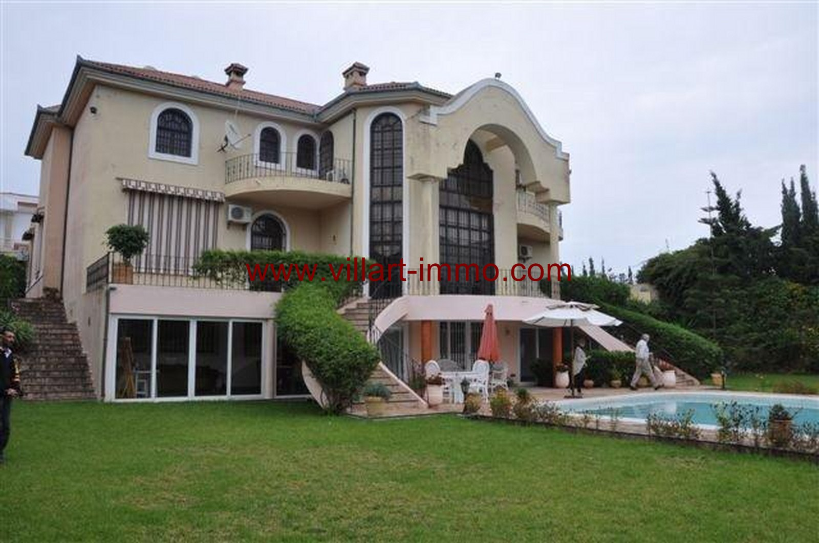 1-vente-villa-tanger-boubana-jardin-1-vv363-villart-immo
