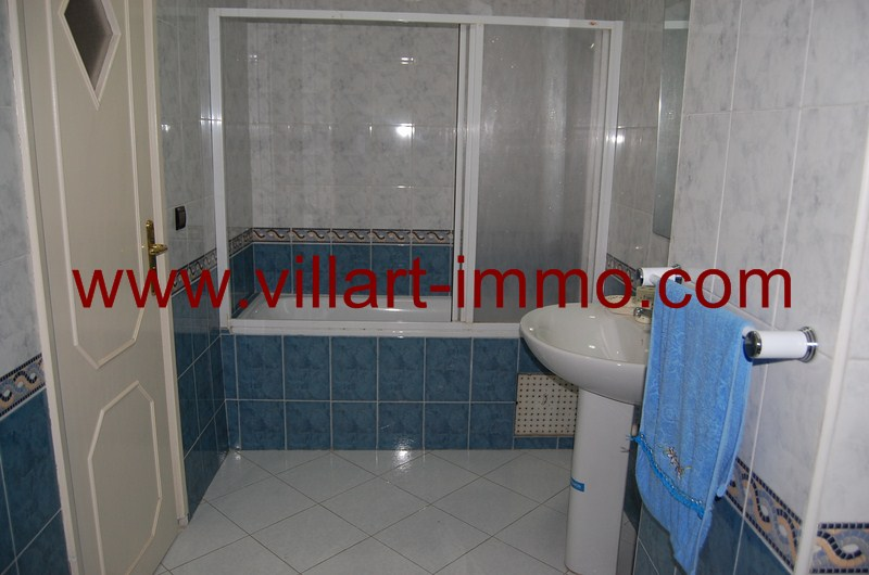 10-location-appartement-meuble-centre-ville-tanger-salle-de-bain-l898-villart-immo