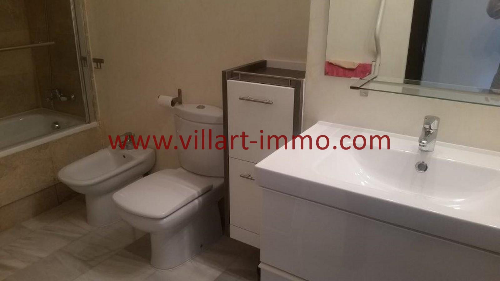 10-location-appartement-meuble-tanger-salle-de-bain-2-villart-immo