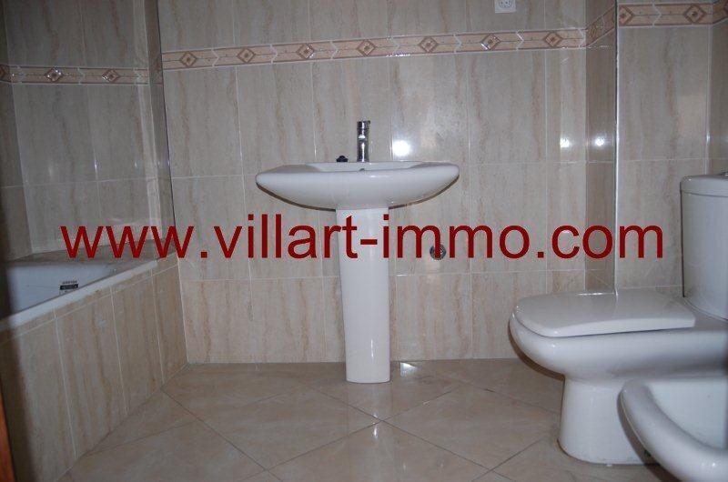 10-location-appartement-non-meuble-tanger-salle-de-bain-l990-villart-immo
