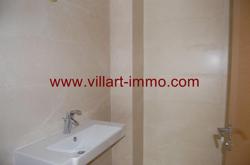 10-location-appartement-non-meuble-tanger-wc-L989-villart-immo