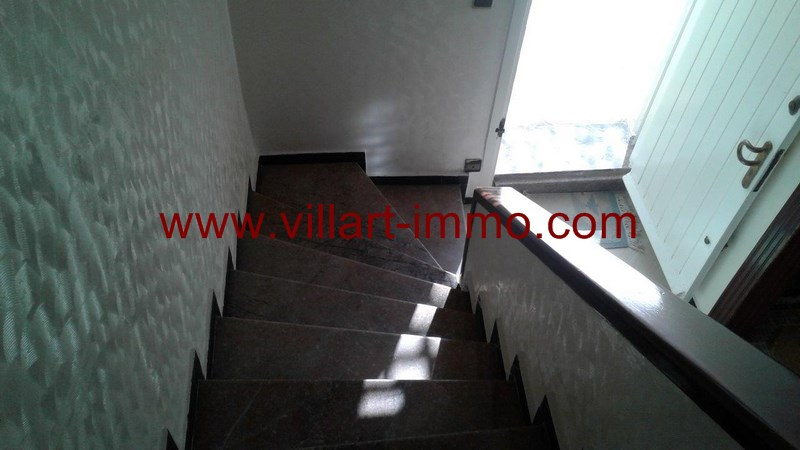 10-location-villa-meublee-tanger-escalier-lv992-villart-immo