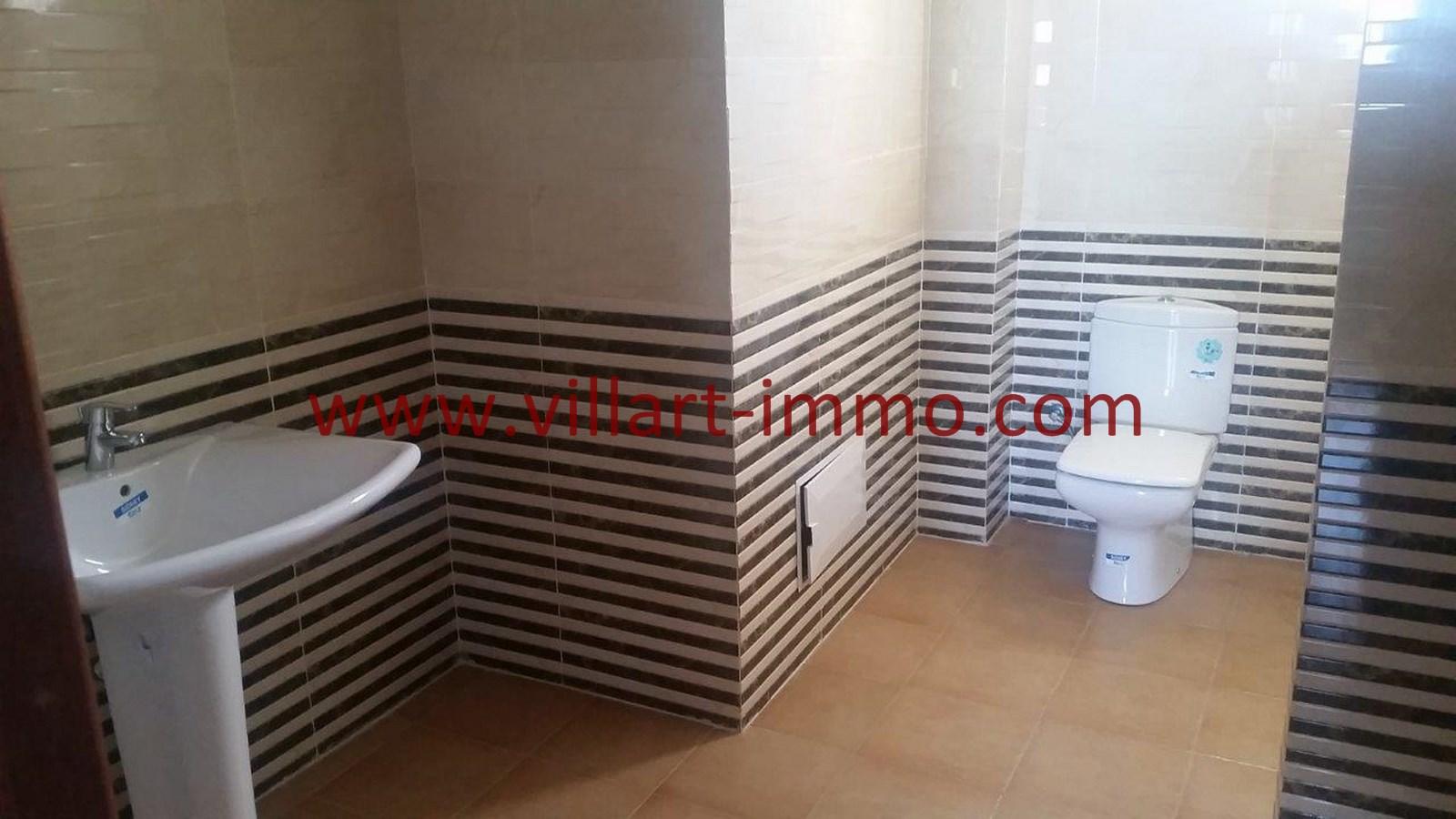 10-vente-appartement-region-tetouan-mdiq-salle-de-bain-2-va395-villart-immo