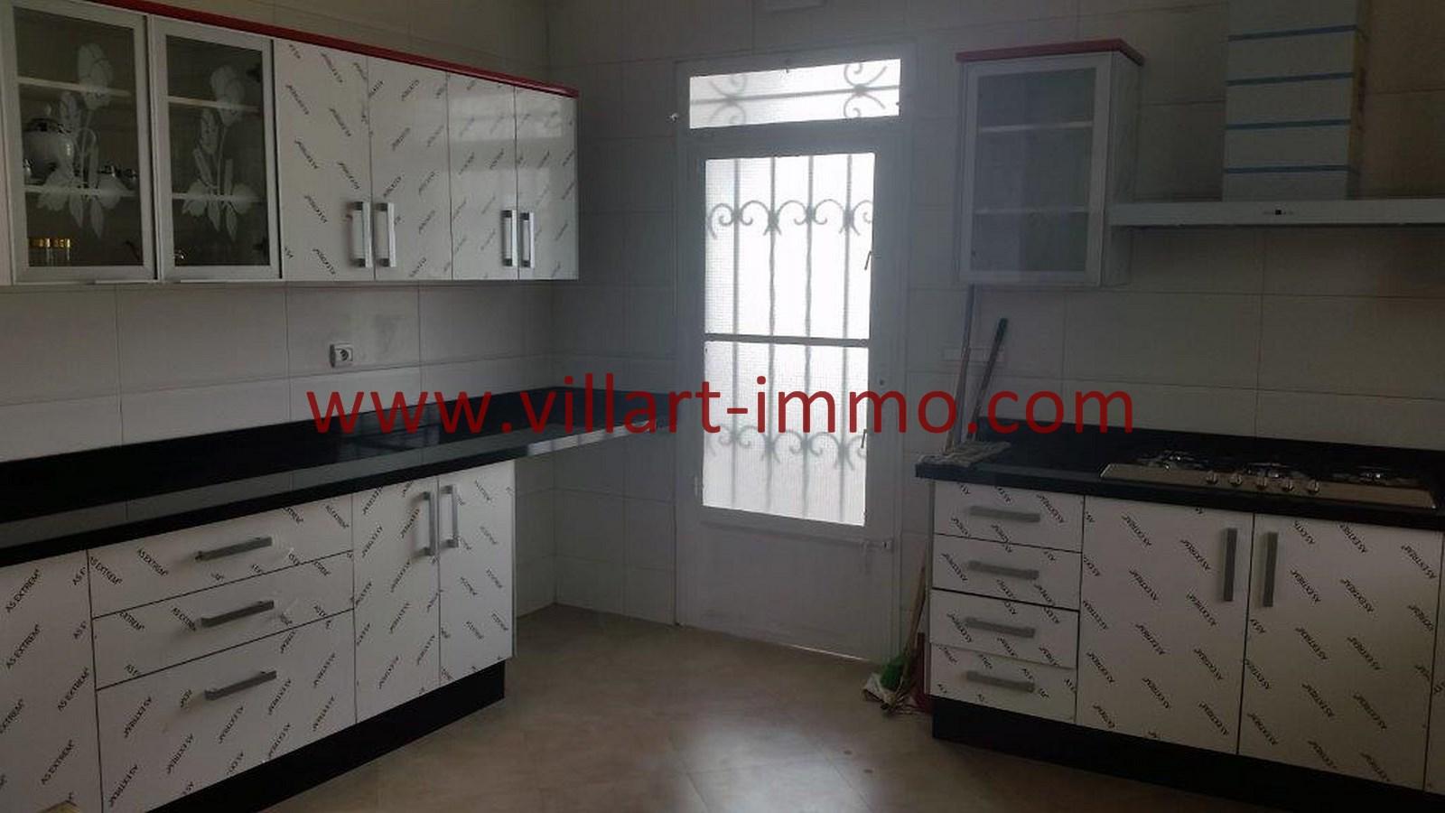 10-vente-villa-tanger-la-montagne-cuisine-2-vv450-villart-immo