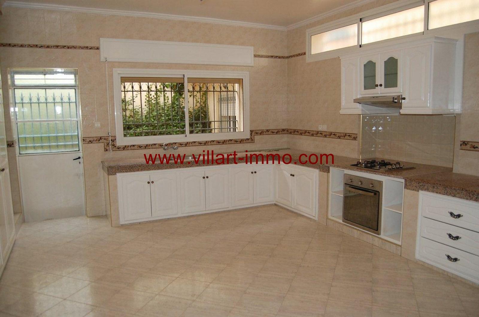 11-location-villa-non-meublee-malabata-tanger-cuisine-lv902-villart-immo