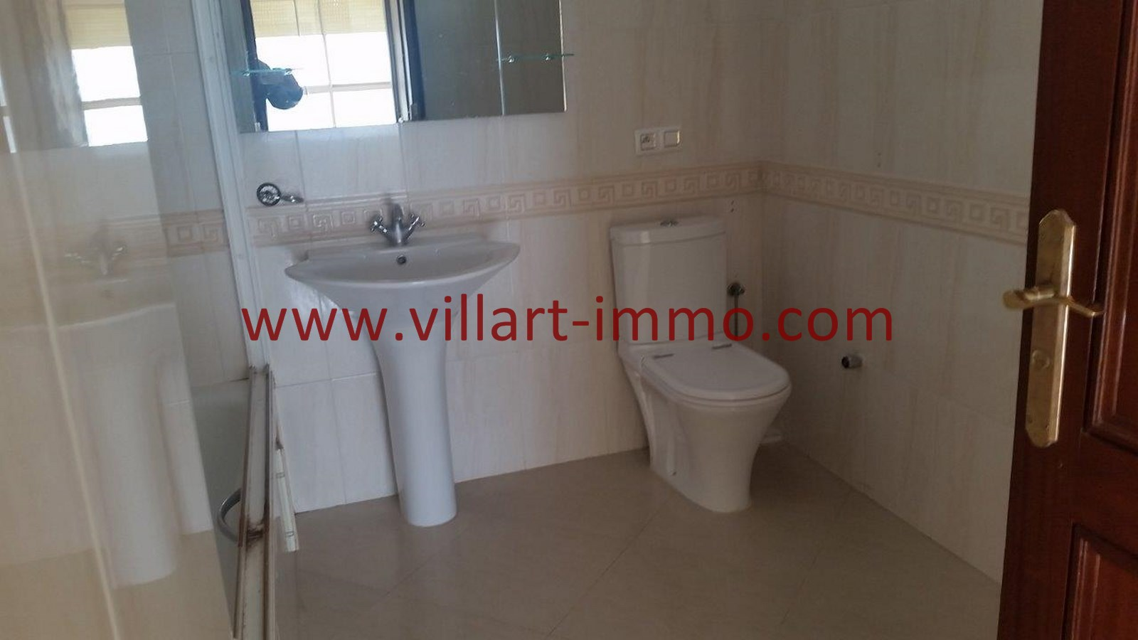 12-a-louer-appartement-tanger-iberia-salle-de-bain-2-l907-villart-immo