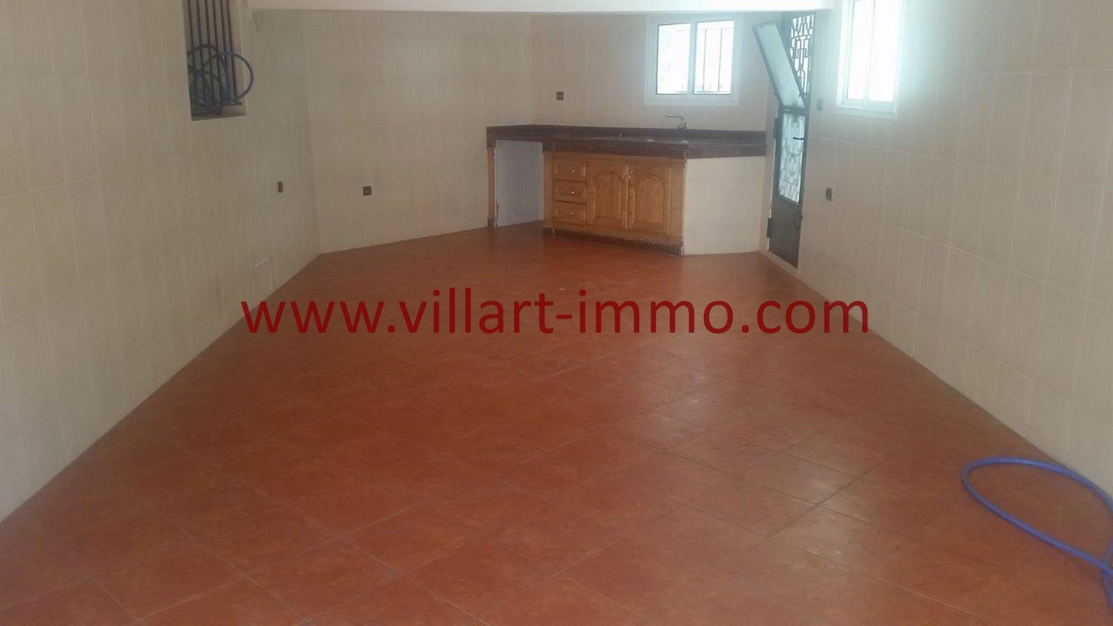 12-a-louer-villa-non-meuble-tanger-cuisine-lv967-villart-immo