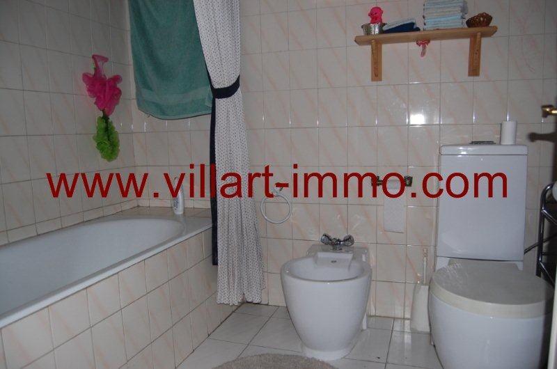 12-location-appartement-meuble-centre-ville-tanger-salle-de-bain-1-l899-villart-immo