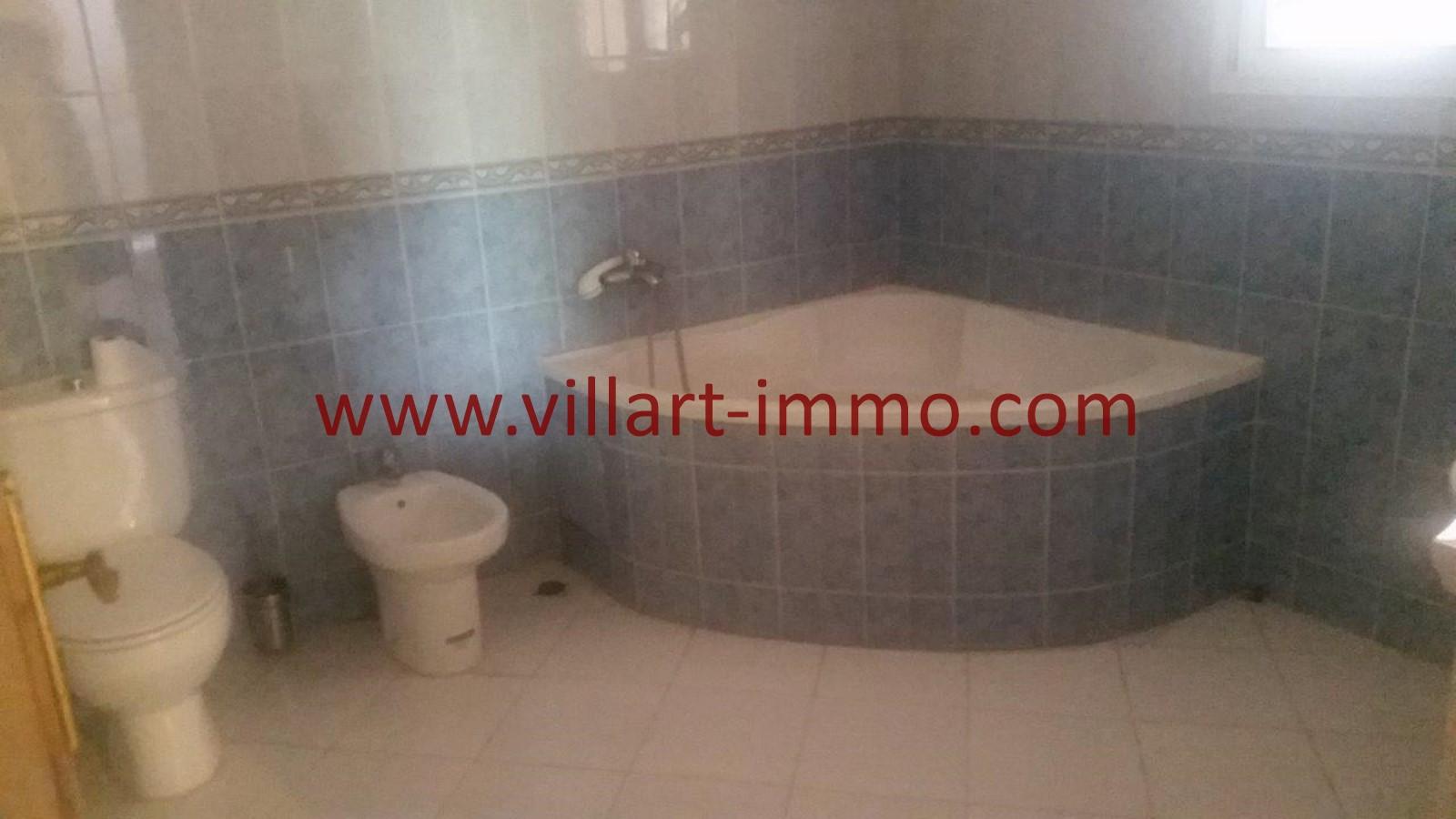 14-a-louer-villa-non-meuble-tanger-salle-de-bain-2-lv967-villart-immo