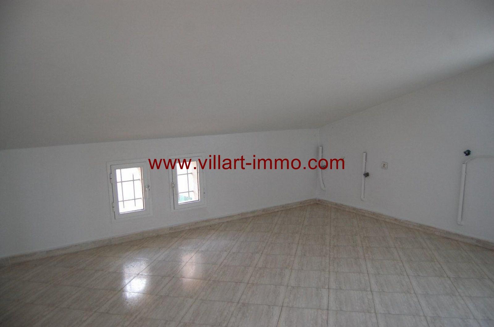 Belle villa non meubl e louer tanger quartier for Location garage 14