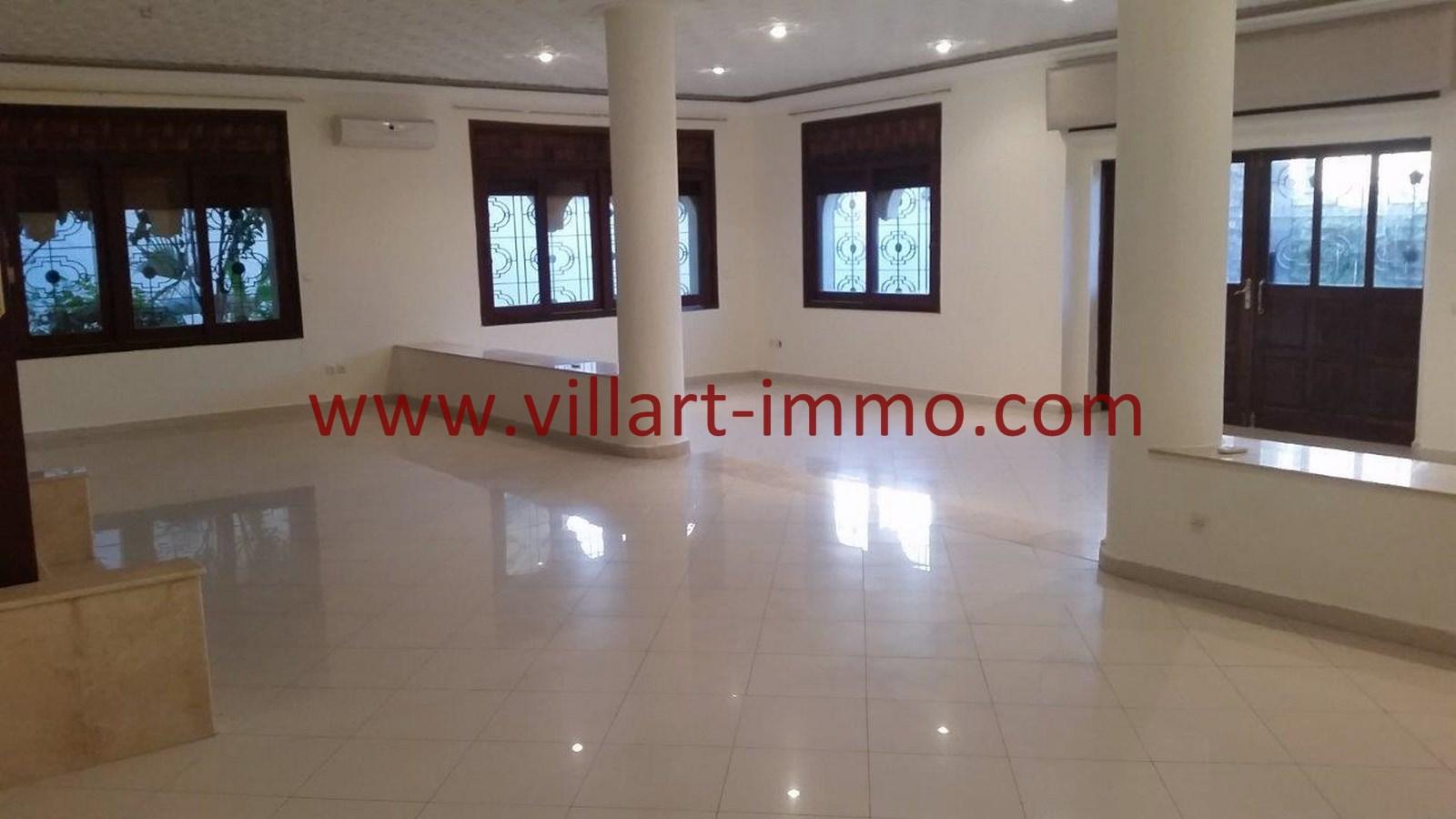 2-a-louer-villa-non-meublee-tanger-salon-lv901-villart-immo