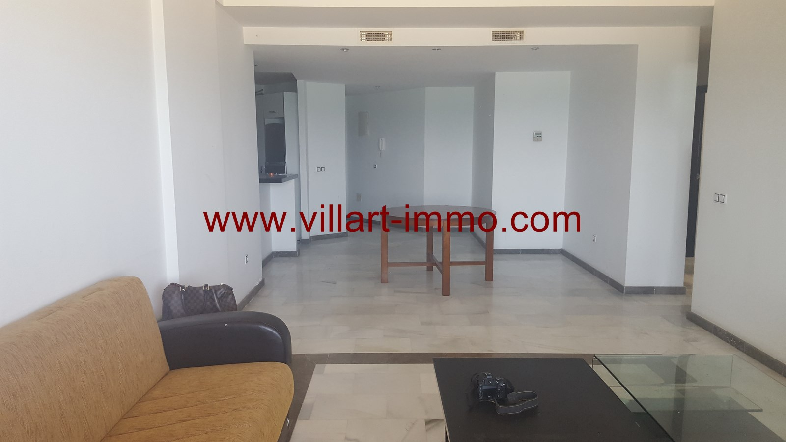 2-a-vendre-appartement-tanger-quartier-playa-salon-1-va433-villart-immo