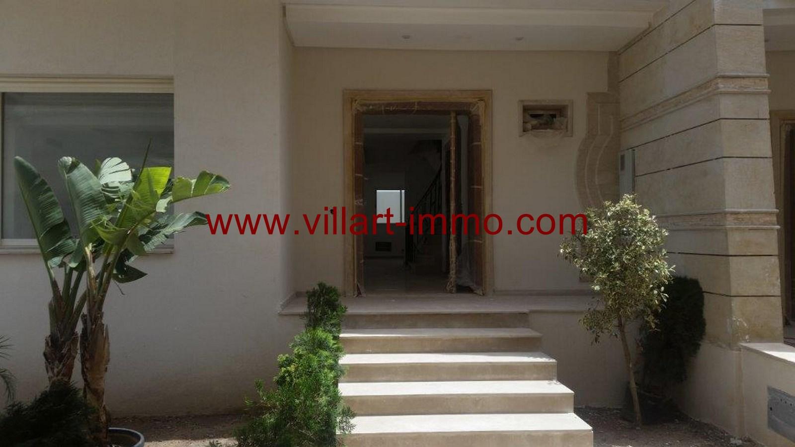 2-a-vendre-tanger-villa-la-montagne-entree-vv421-villart-immo-agence-immobiliere