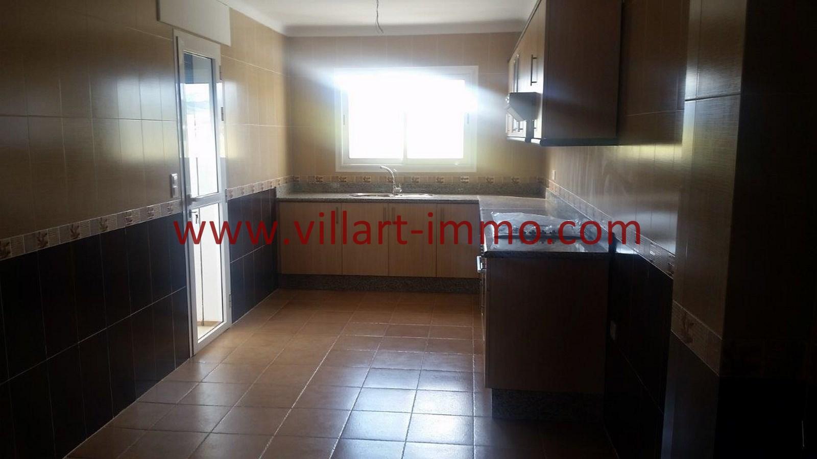 2-vente-appartement-region-tetouan-mdiq-cuisine-1-va395-villart-immo
