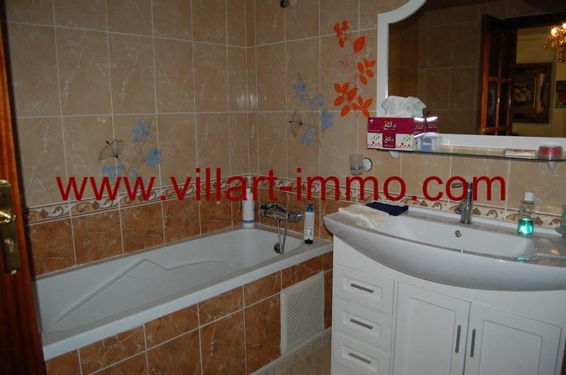 3-a-louer-appartement-meuble-tanger-salle-de-bain-1-l973-villart-immo
