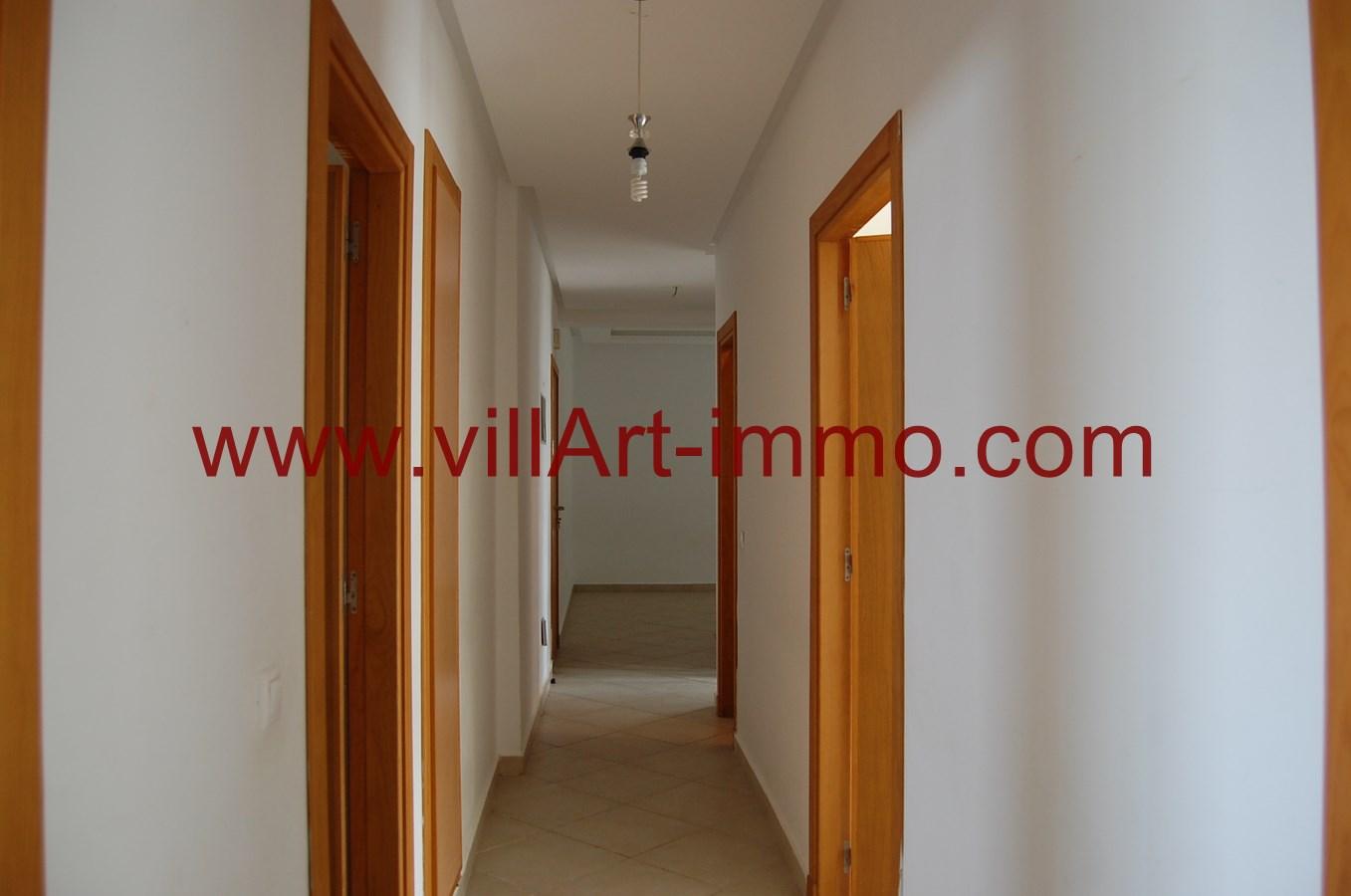 3-a-louer-appartement-non-meuble-tanger-couloir-l889-villart-immo