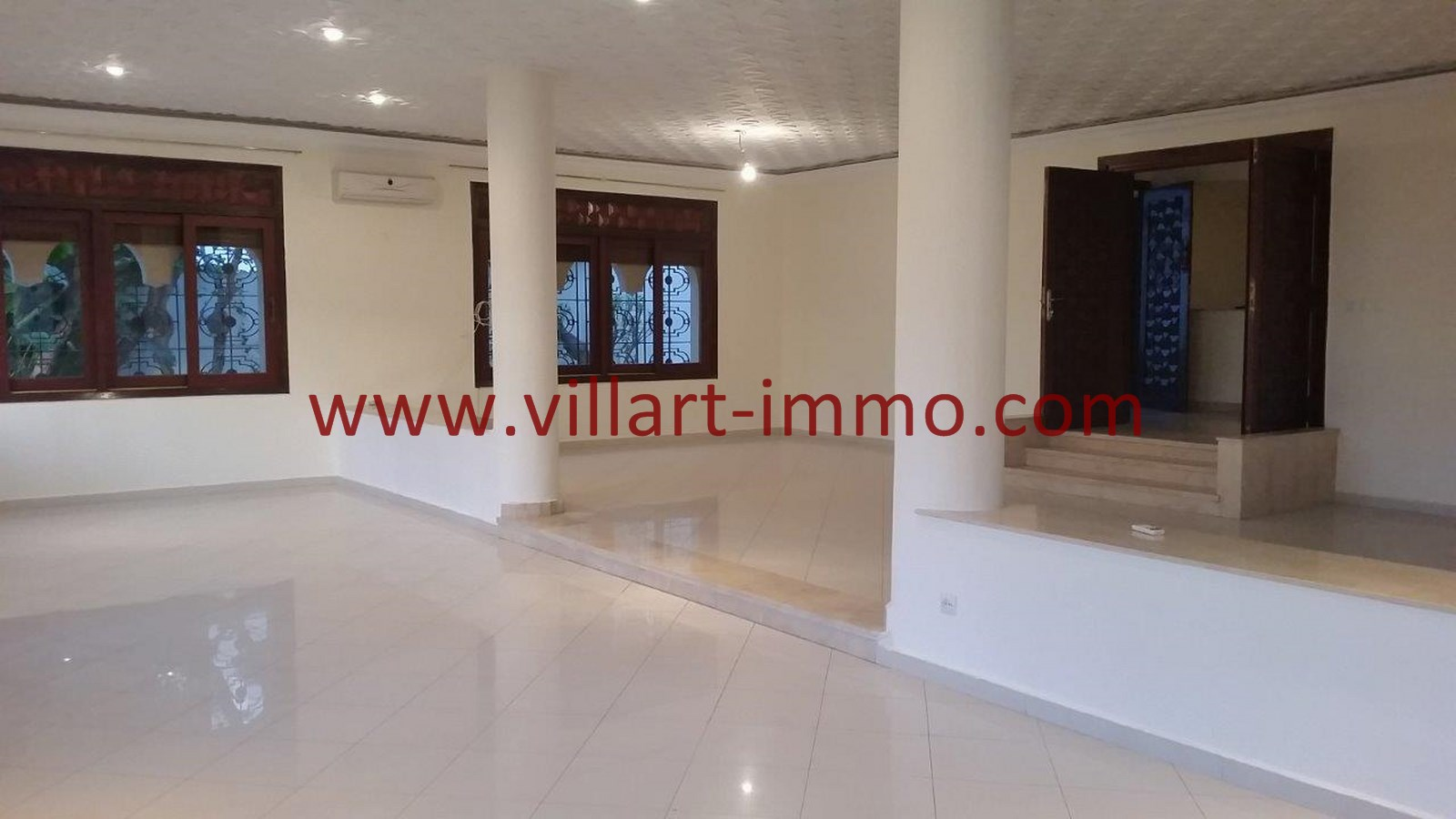 3-a-louer-villa-non-meublee-tanger-salon-lv901-villart-immo