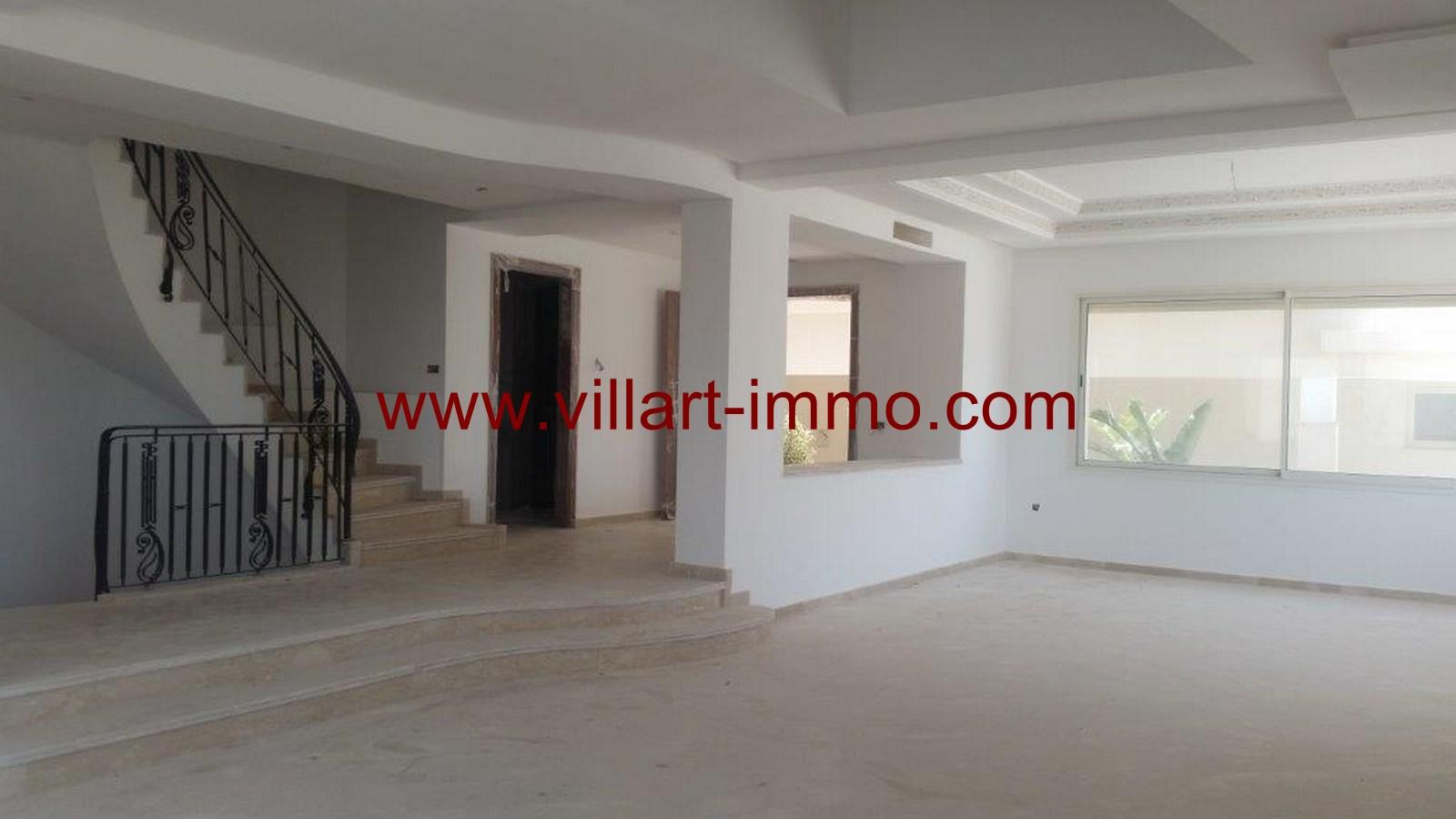 3-a-vendre-tanger-villa-la-montagne-salon-1-vv421-villart-immo-agence-immobiliere