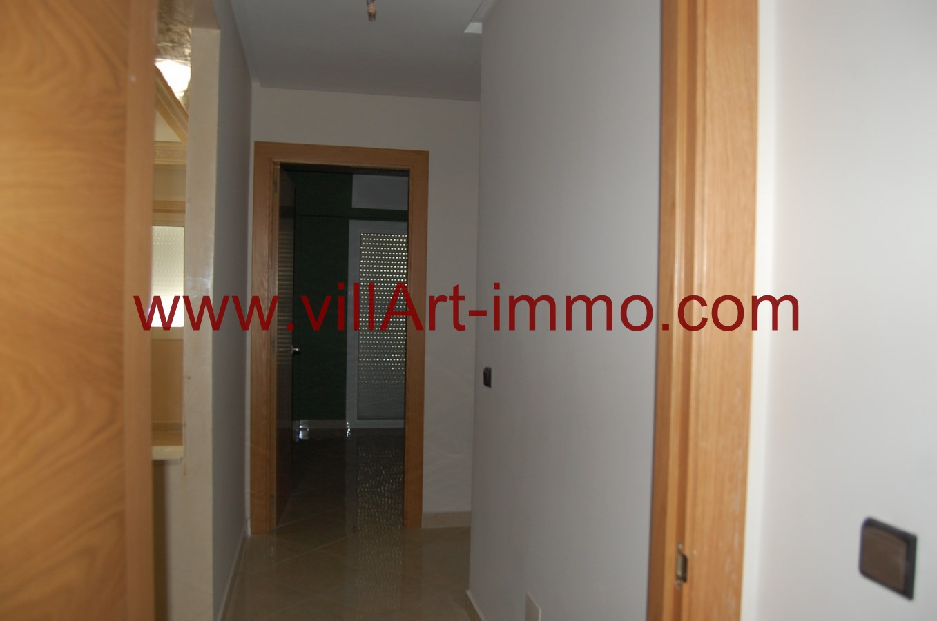 3-location-appartement-non-meuble-tanger-couloir-l876-villart-immo