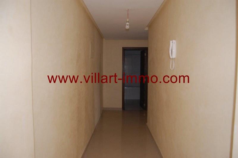 3-location-appartement-non-meuble-tanger-couloir-l991-villart-immo