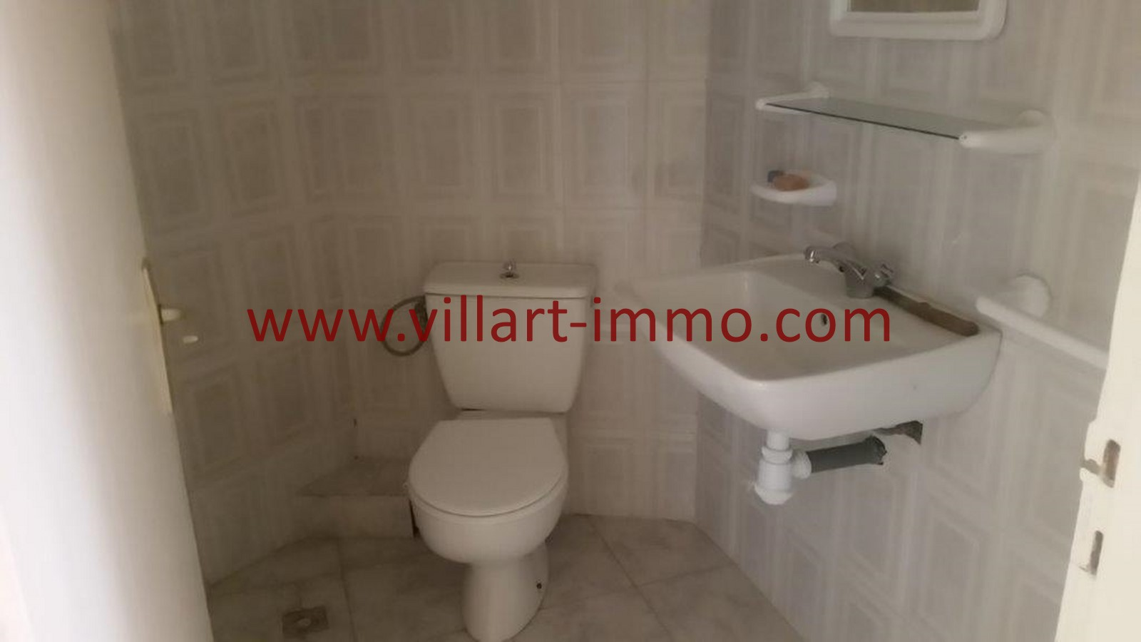 3-location-tanger-appartement-non-meublee-iberia-toilette-l1013-villart-immo-agence-immobiliere