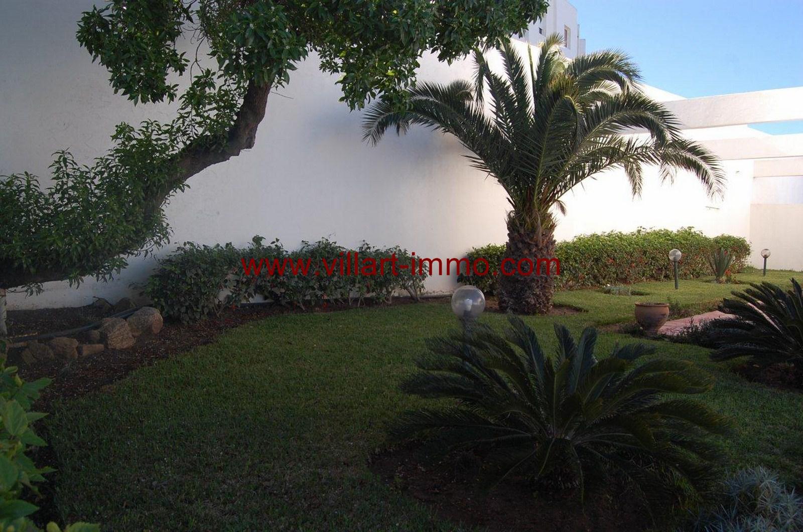 3-Location-Villa-Meublée-Tanger-Achakar-Jardin-LV910-Villart immo