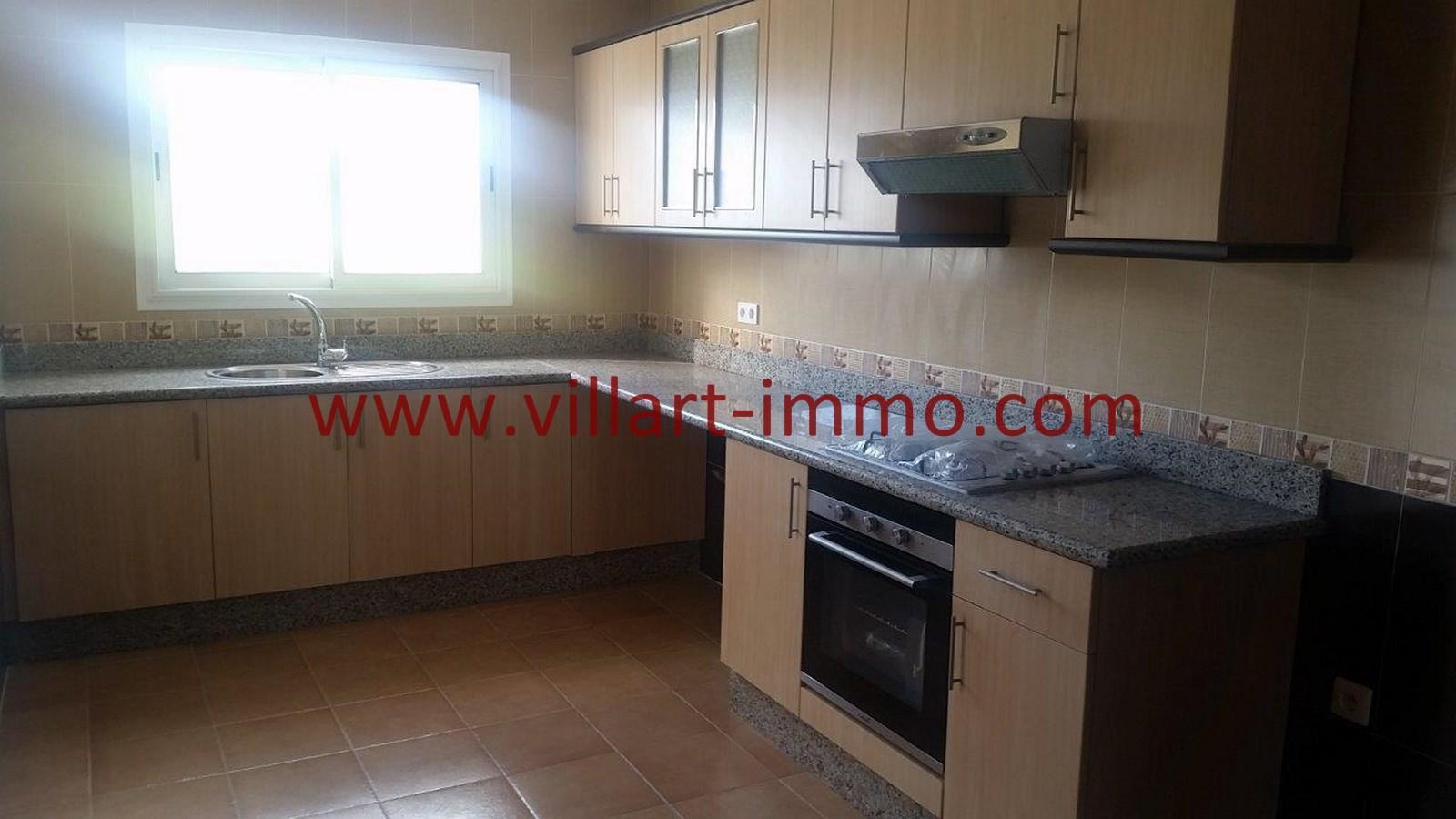 3-vente-appartement-region-tetouan-mdiq-cuisine-2-va395-villart-immo