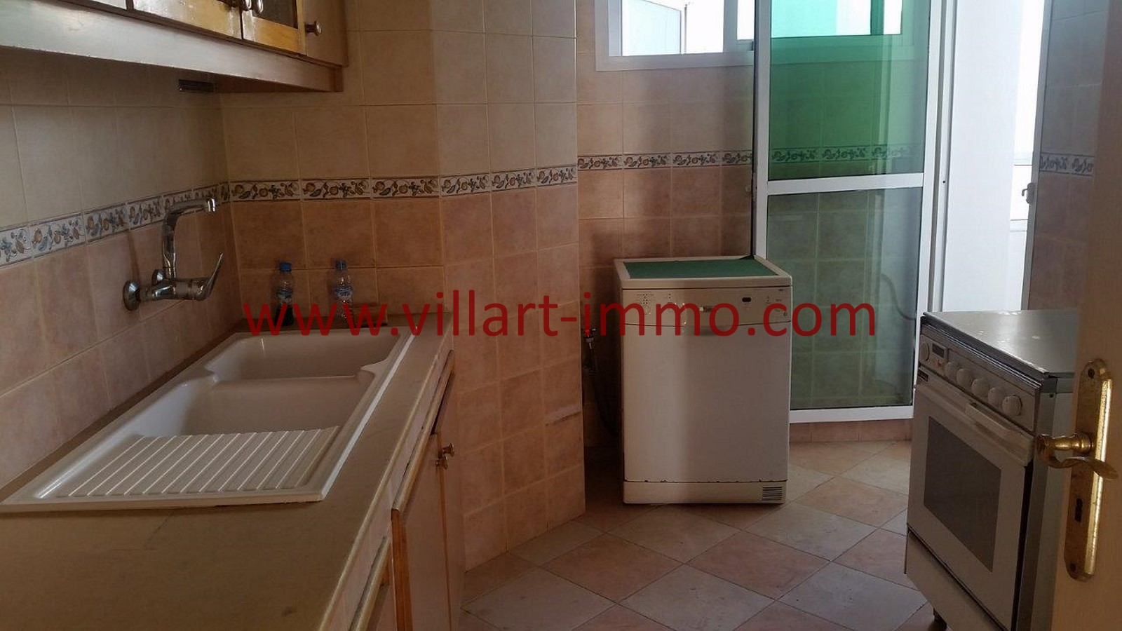 3-location-appartement-meubles-tanger-iberia-cuisine-l1012-villart-immo-maroc
