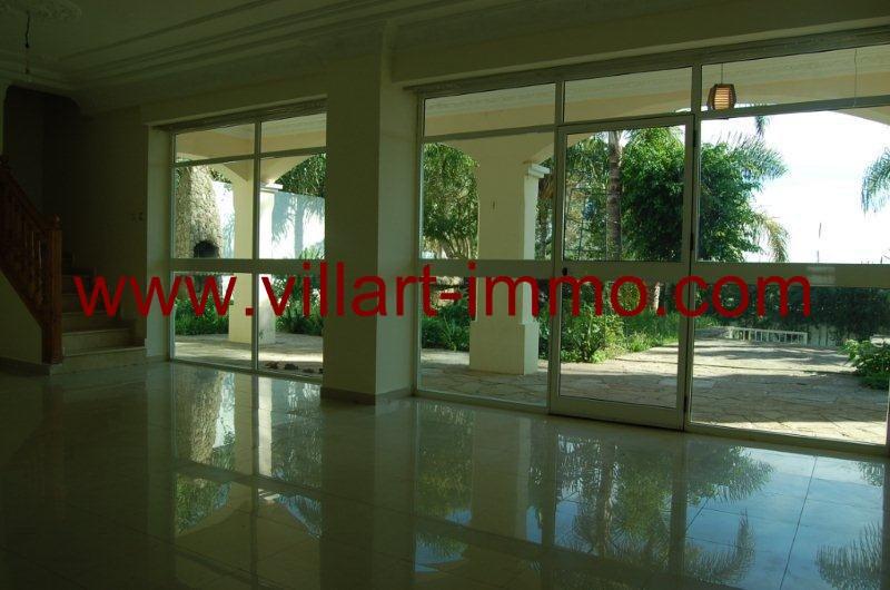 4-a-louer-villa-non-meublee-tanger-jbel-kber-salon-lv9897-villart-immo