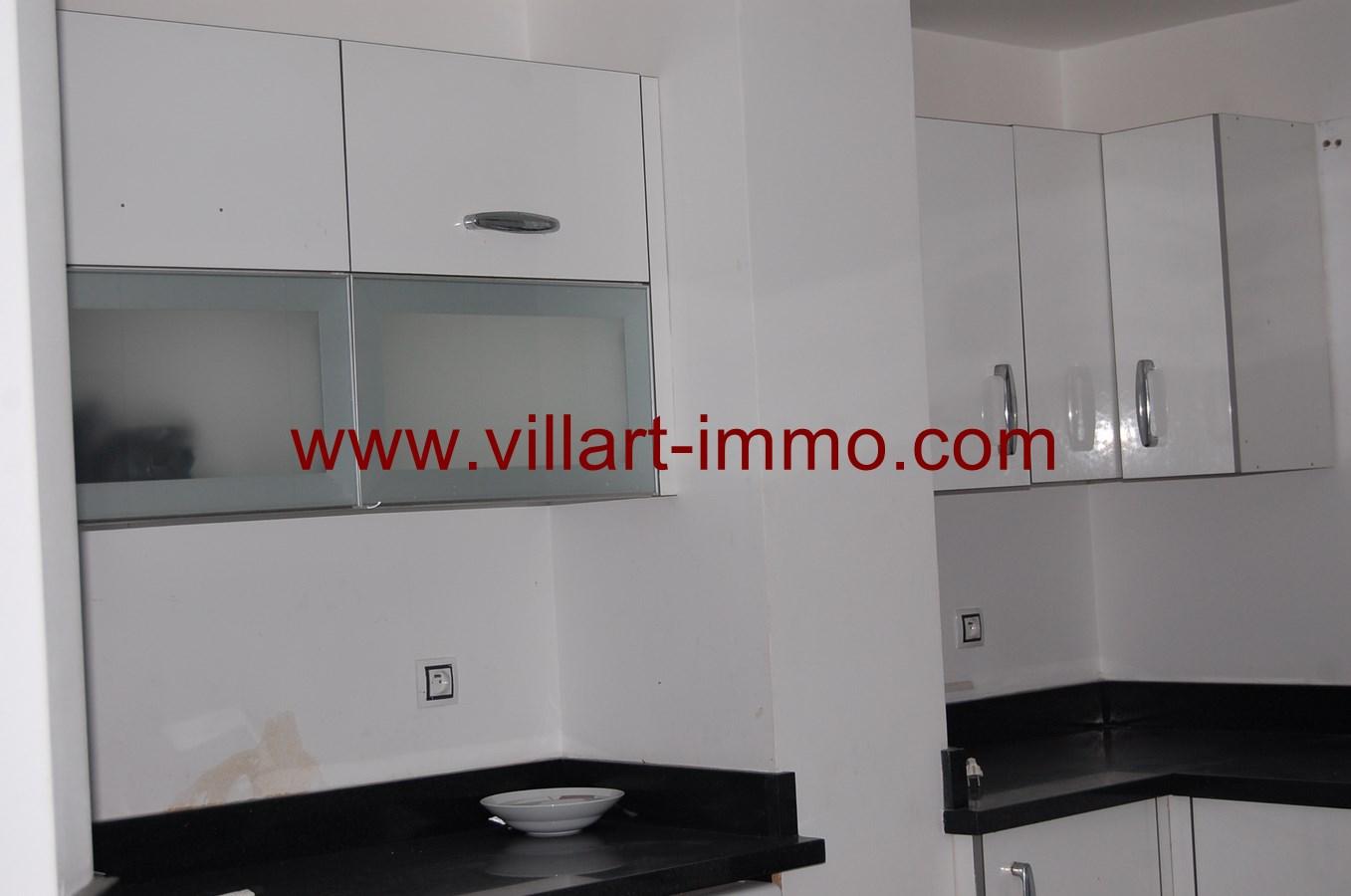 4-a-vendre-appartement-tanger-quartier-playa-cuisine-2-va433-villart-immo