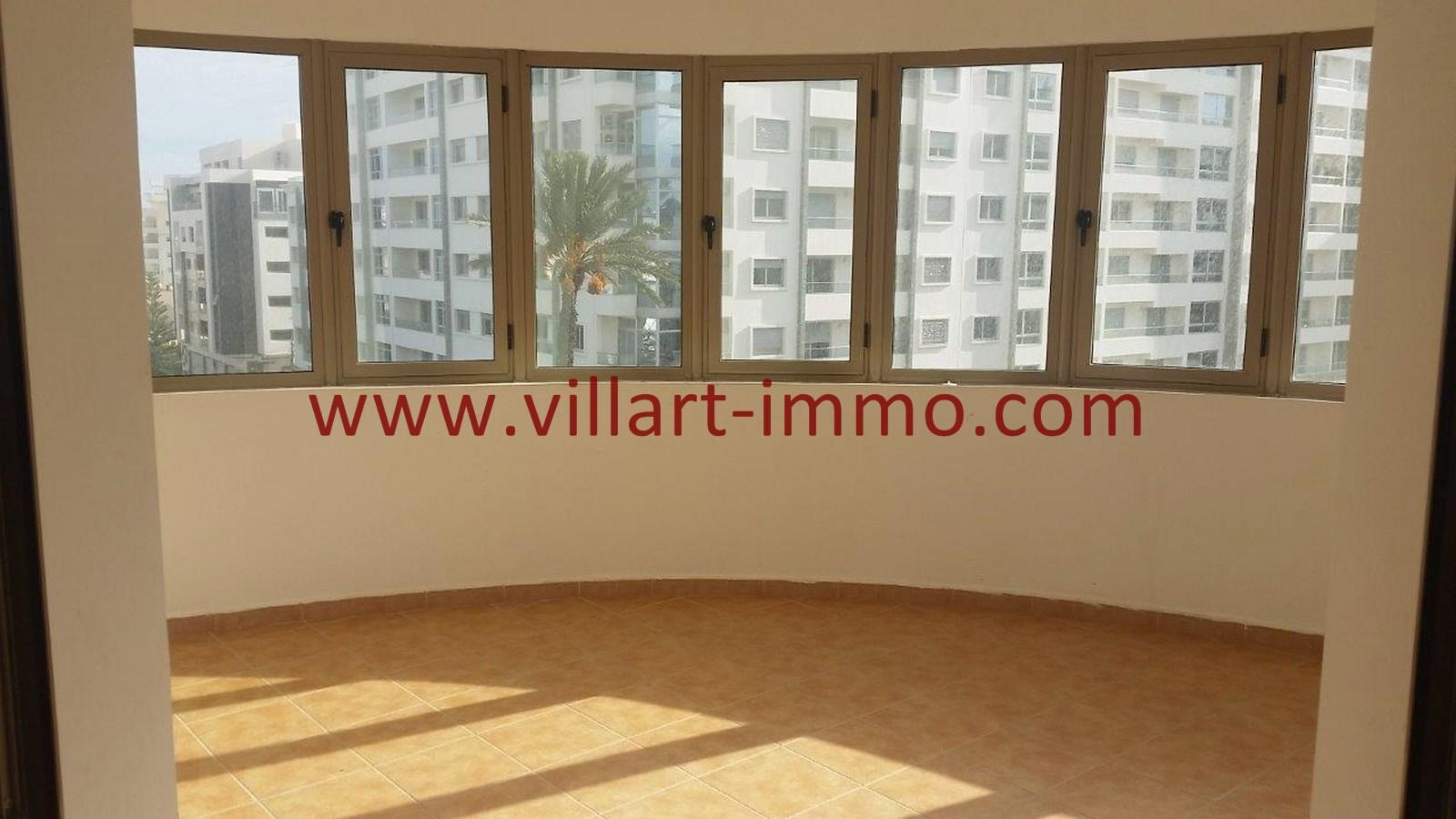 5-a-louer-appartement-tanger-iberia-salon-l907-villart-immo