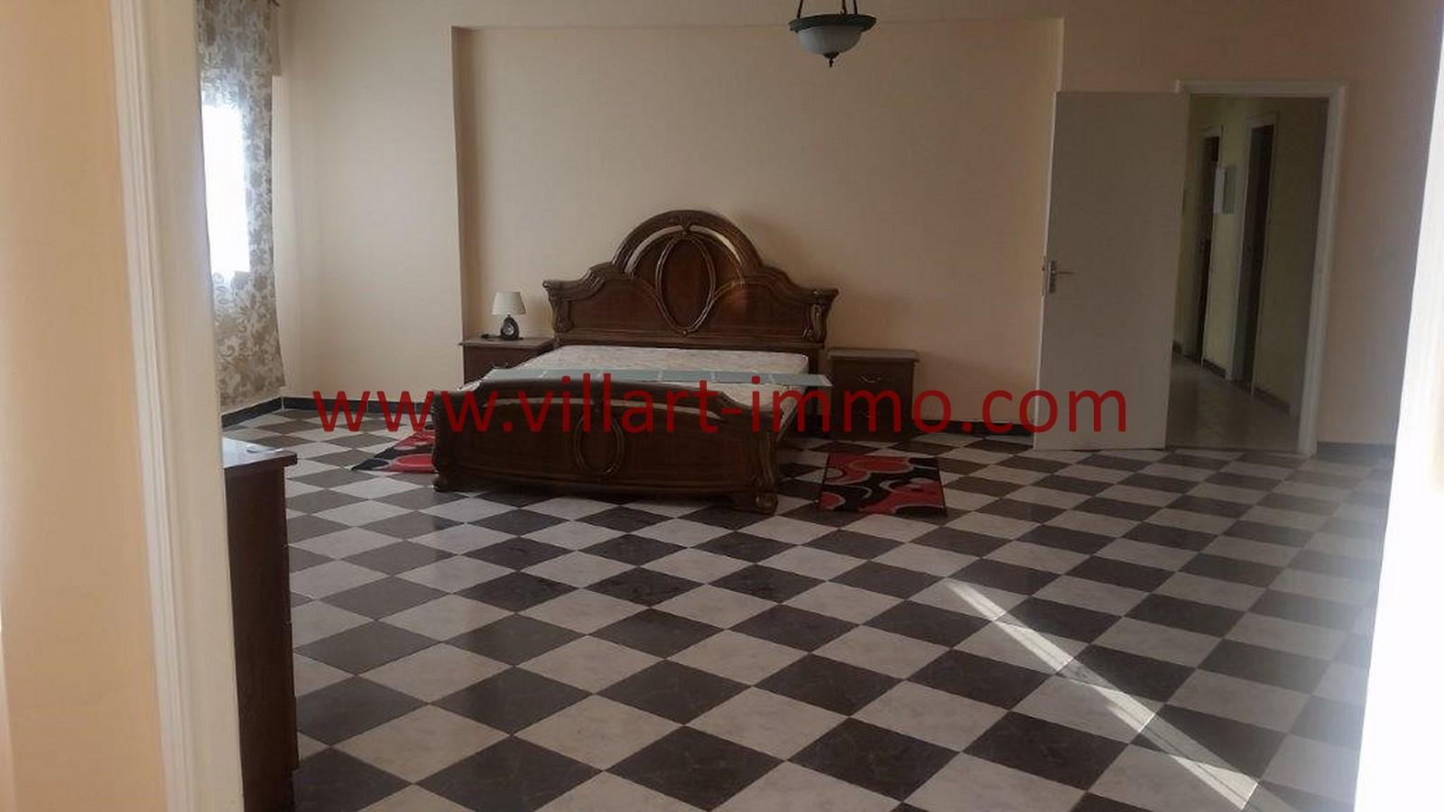5-location-tanger-appartement-non-meublee-iberia-chambre-principale-1-l1013-villart-immo-agence-immobiliere