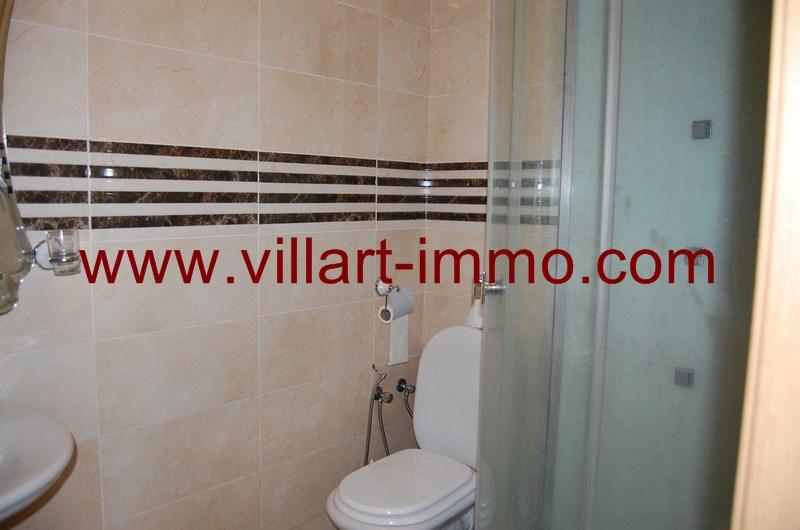 6-location-appartement-meuble-achakar-tanger-salle-de-bain-l954-villart-immo