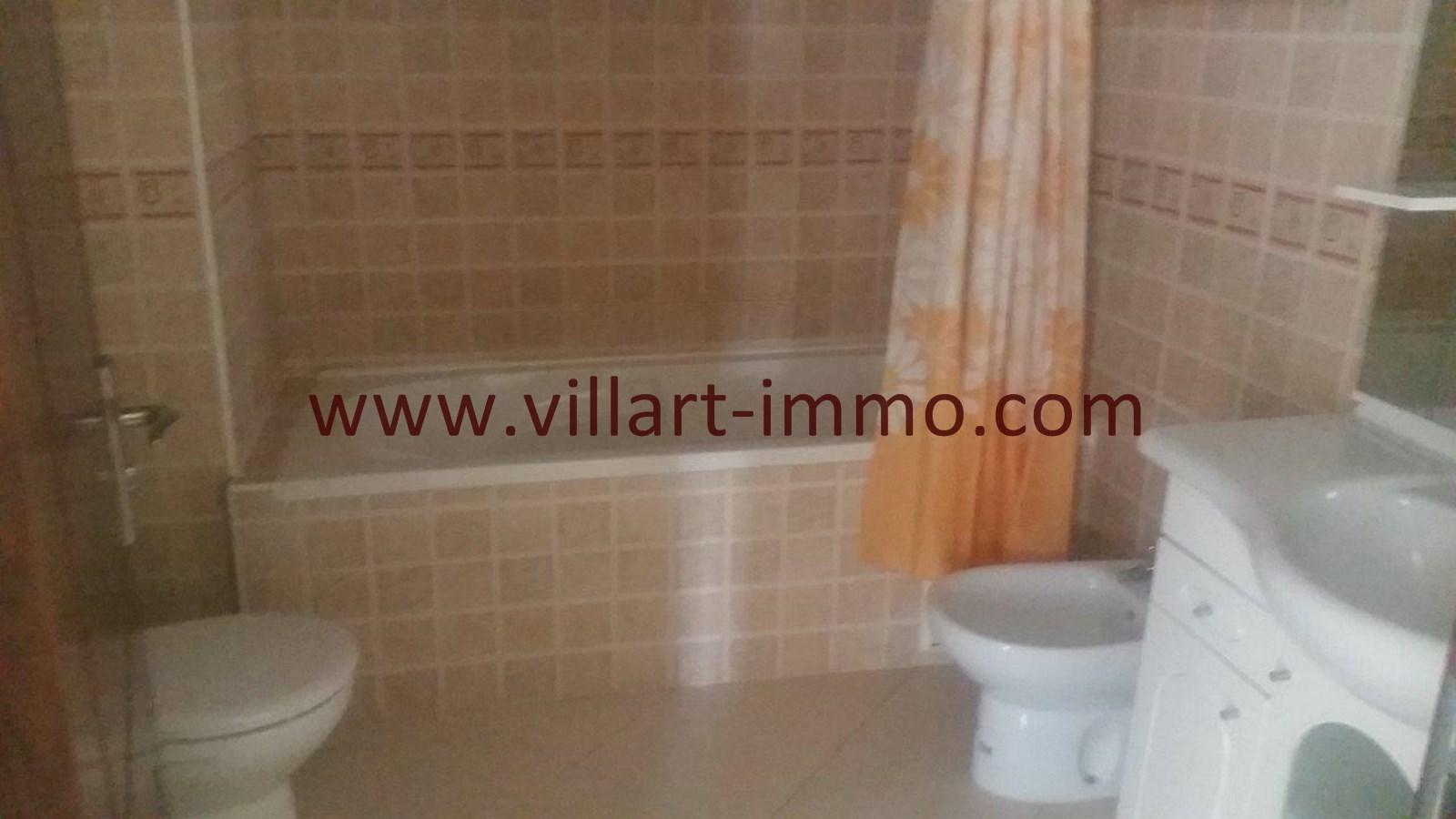 6-location-appartement-meuble-tanger-salle-de-bain-2-l955-villart-immo