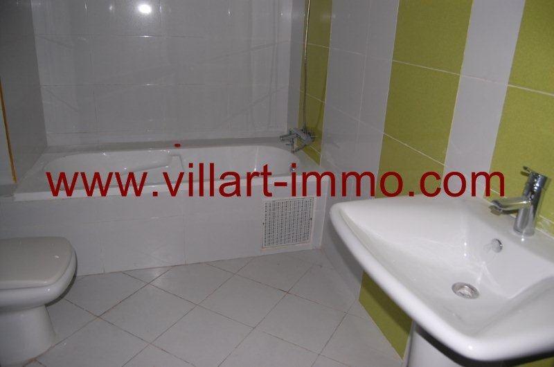 7-location-appartement-non-meuble-cherf-tanger-salle-de-bain-l826-villart-immo