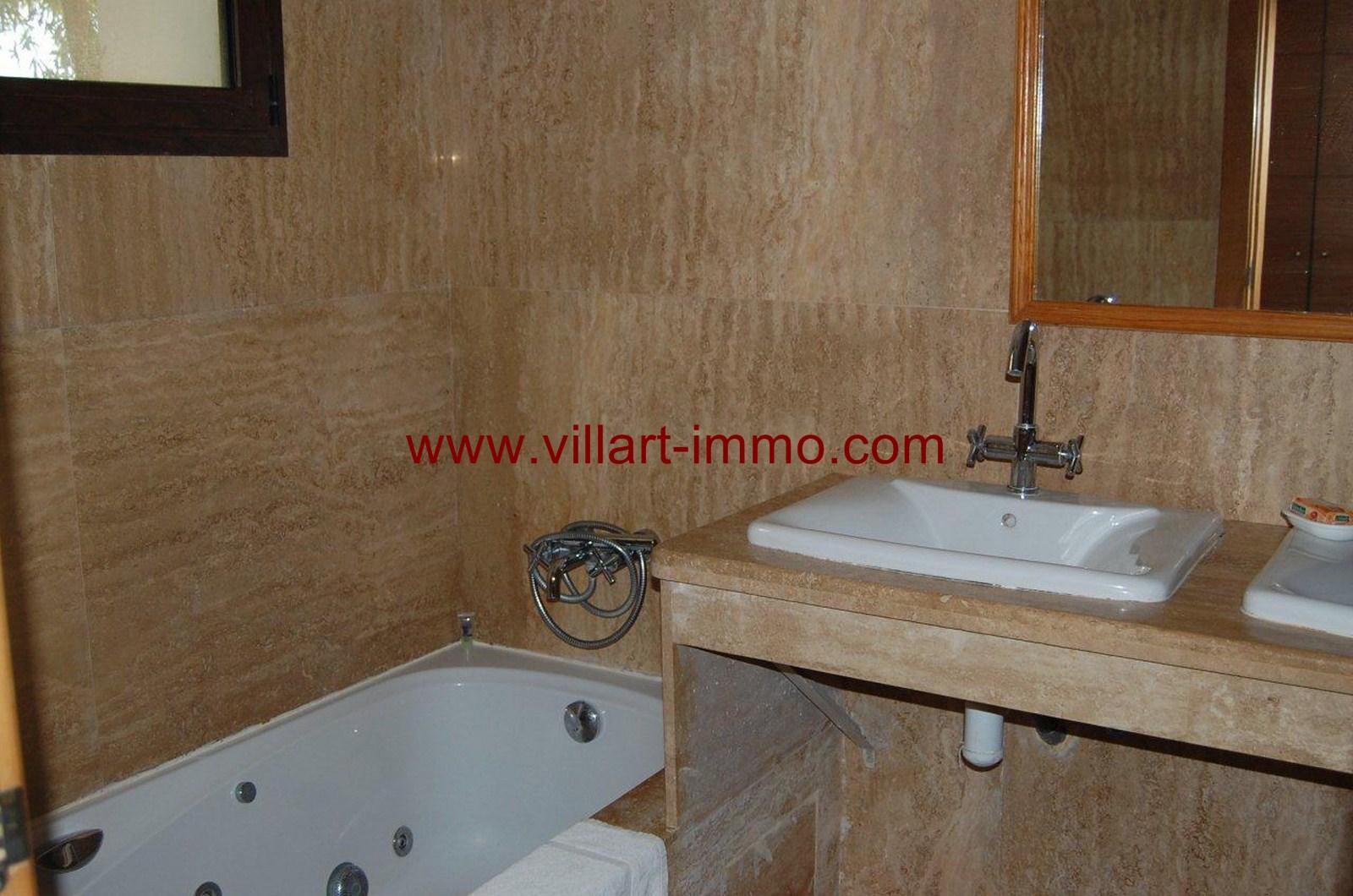 8-vente-appartement-tanger-achakar-salle-de-bain-va388-villart-immo