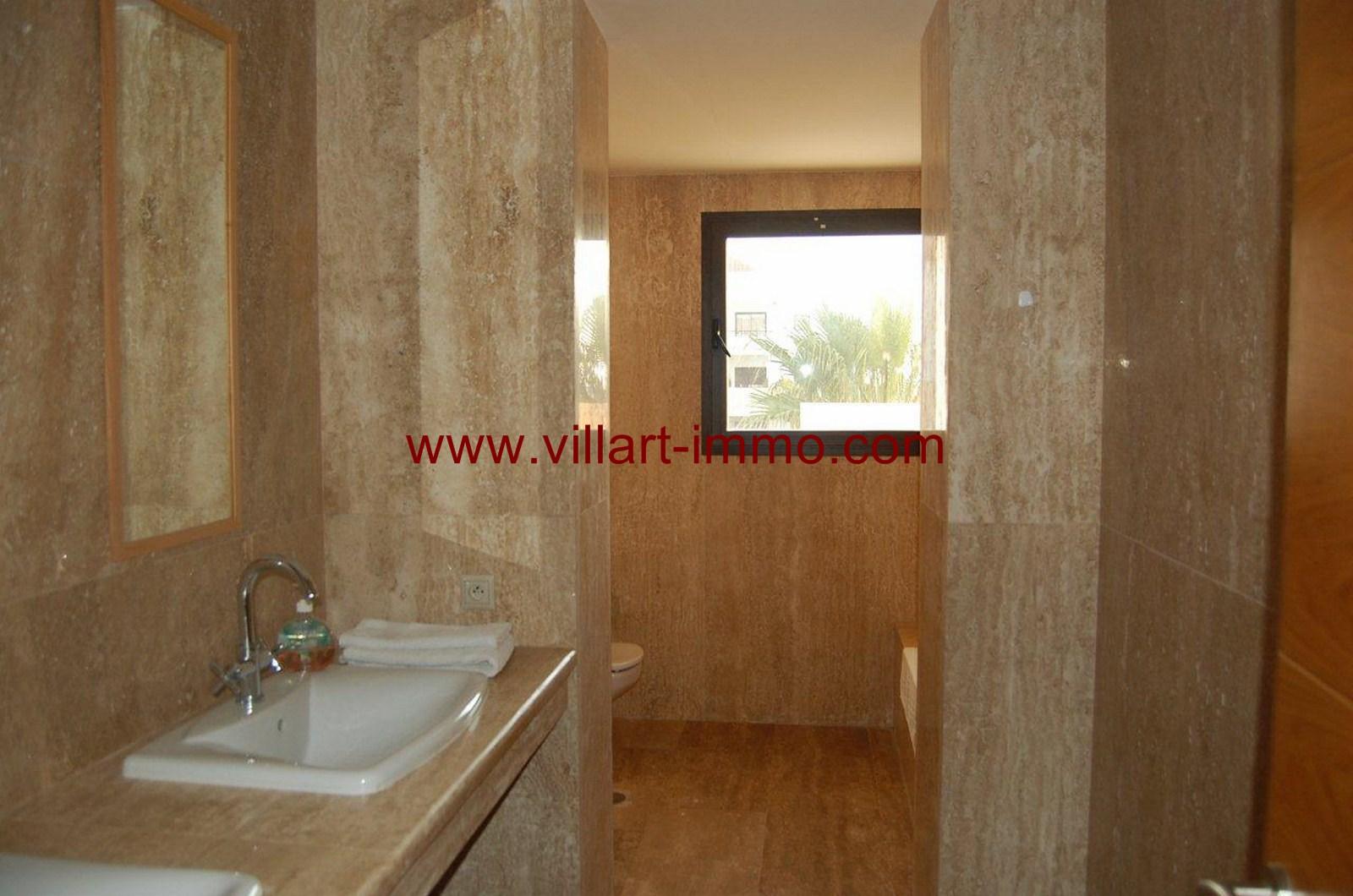 8-vente-appartement-tanger-achakar-salle-de-bain-va391-villart-immo