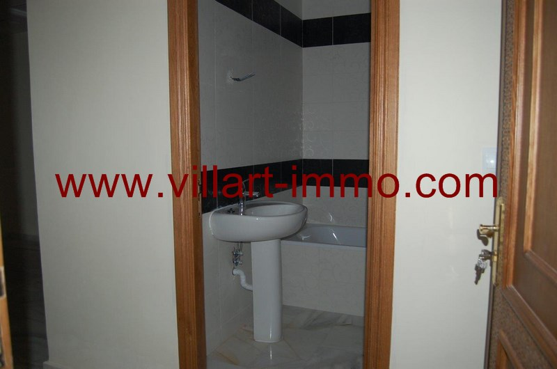 9-location-appartement-centre-ville-tanger-salle-de-bain-2-l956-villart-immo