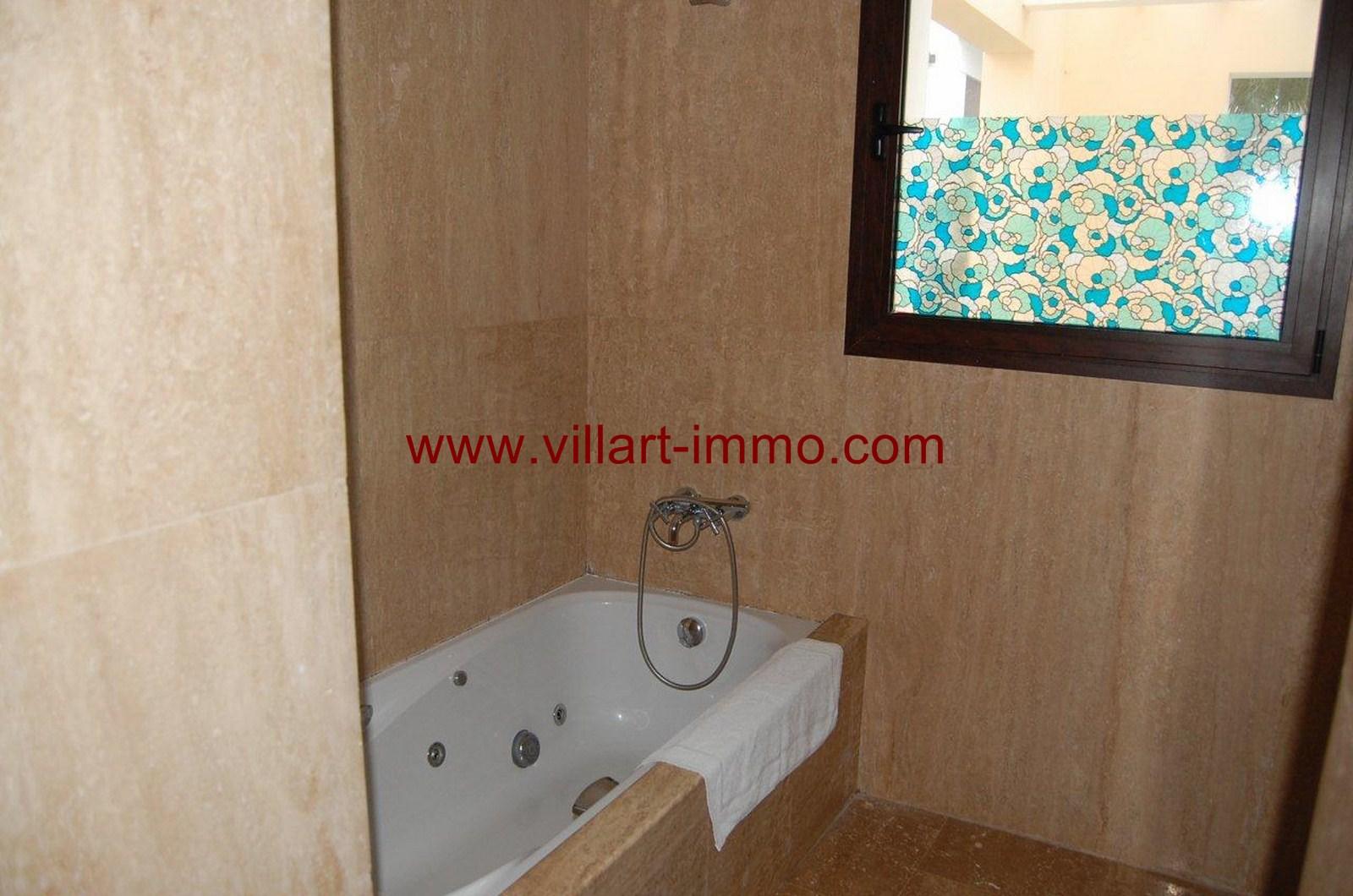 9-vente-appartement-tanger-achakar-salle-de-bain-va390-villart-immo