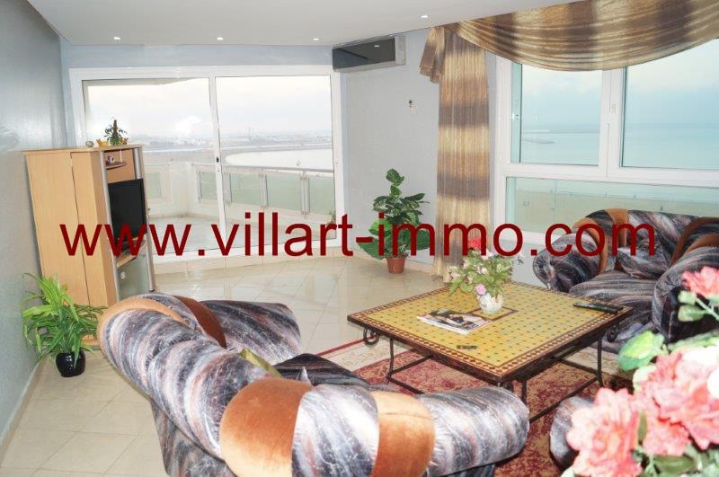 appartement louer meubl tanger au maroc avec vue sur mer villart. Black Bedroom Furniture Sets. Home Design Ideas