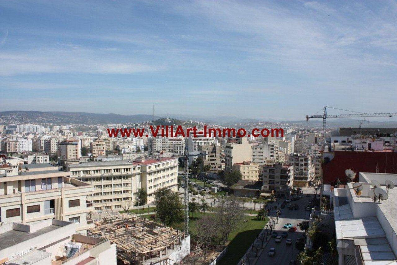 Grand appartement f4 avec terrasse en plein centre ville for Appartement de ville