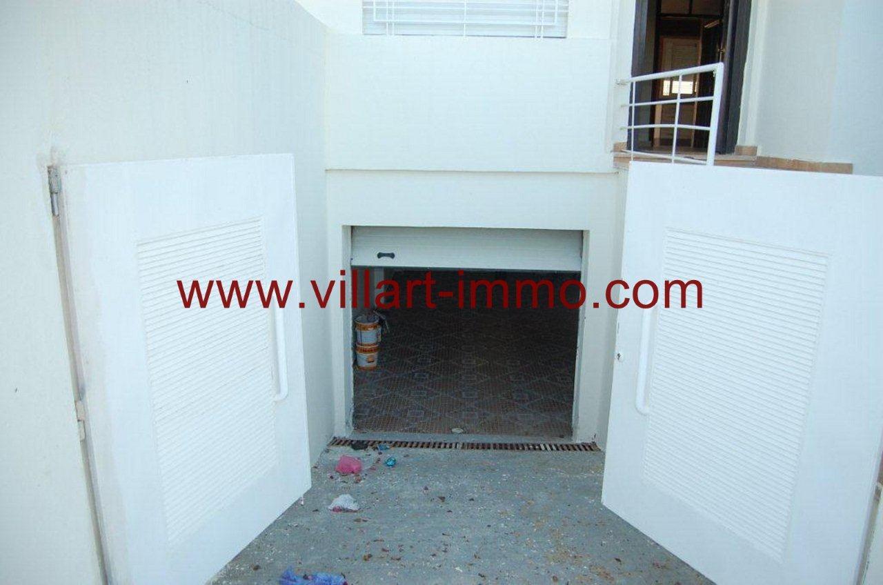 10-Vente-Villa-Tanger-Achakar-Entrée-Garage-VV268-Villart Immo