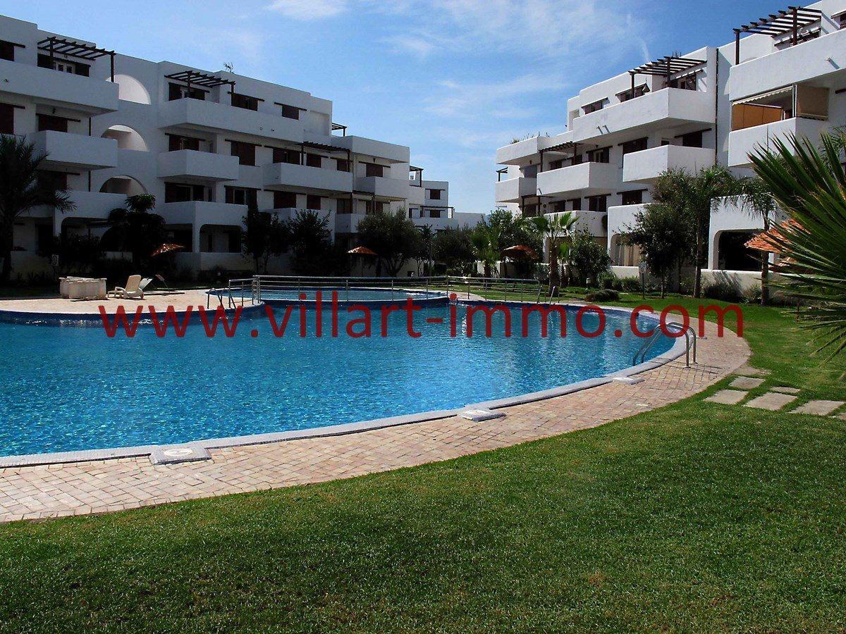 A vendre magnifique appartement cabo negro dans for Appartement piscine