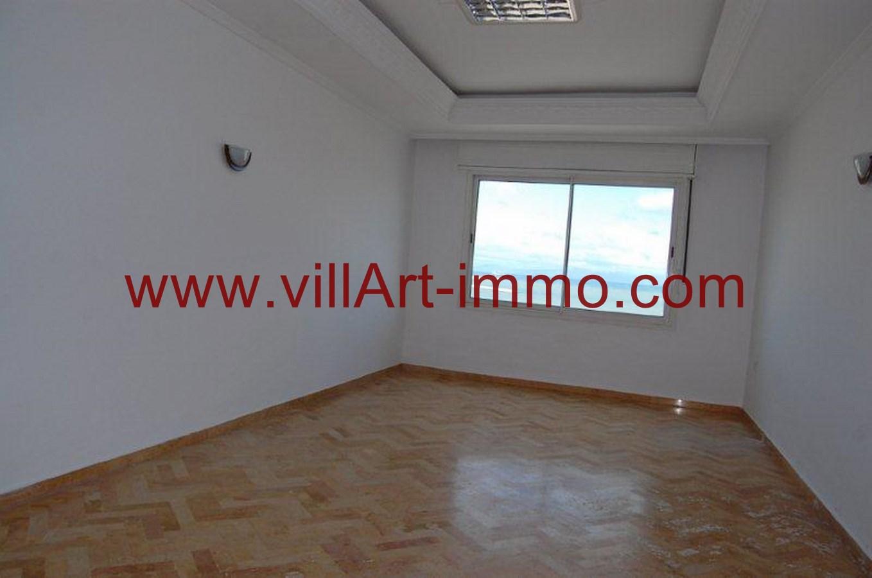 2-location-appartement-non-meuble-centre-ville-tanger-salon-l784-villart-immo