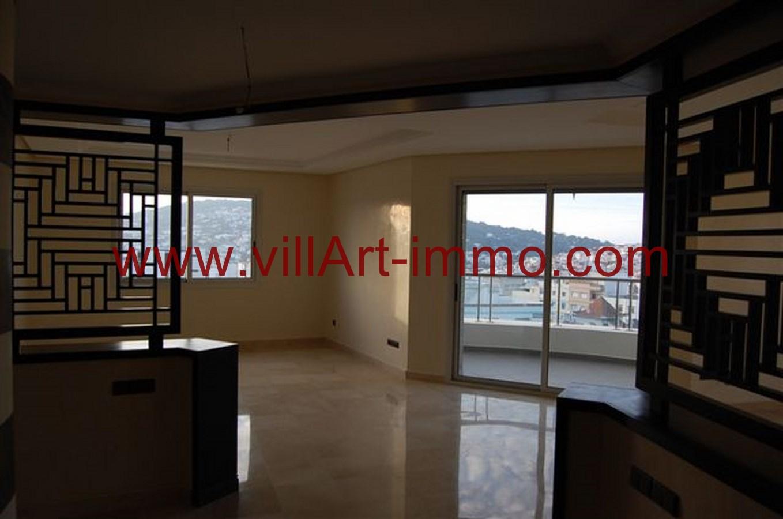 2-Location-Appartement-Non meublé-Tanger-Salon 1-L746-Villart immo