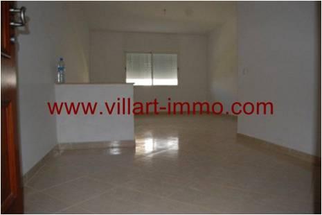 2-Location-Appartement-Non meublé-Tanger-Salon 1-L752-Villart immo
