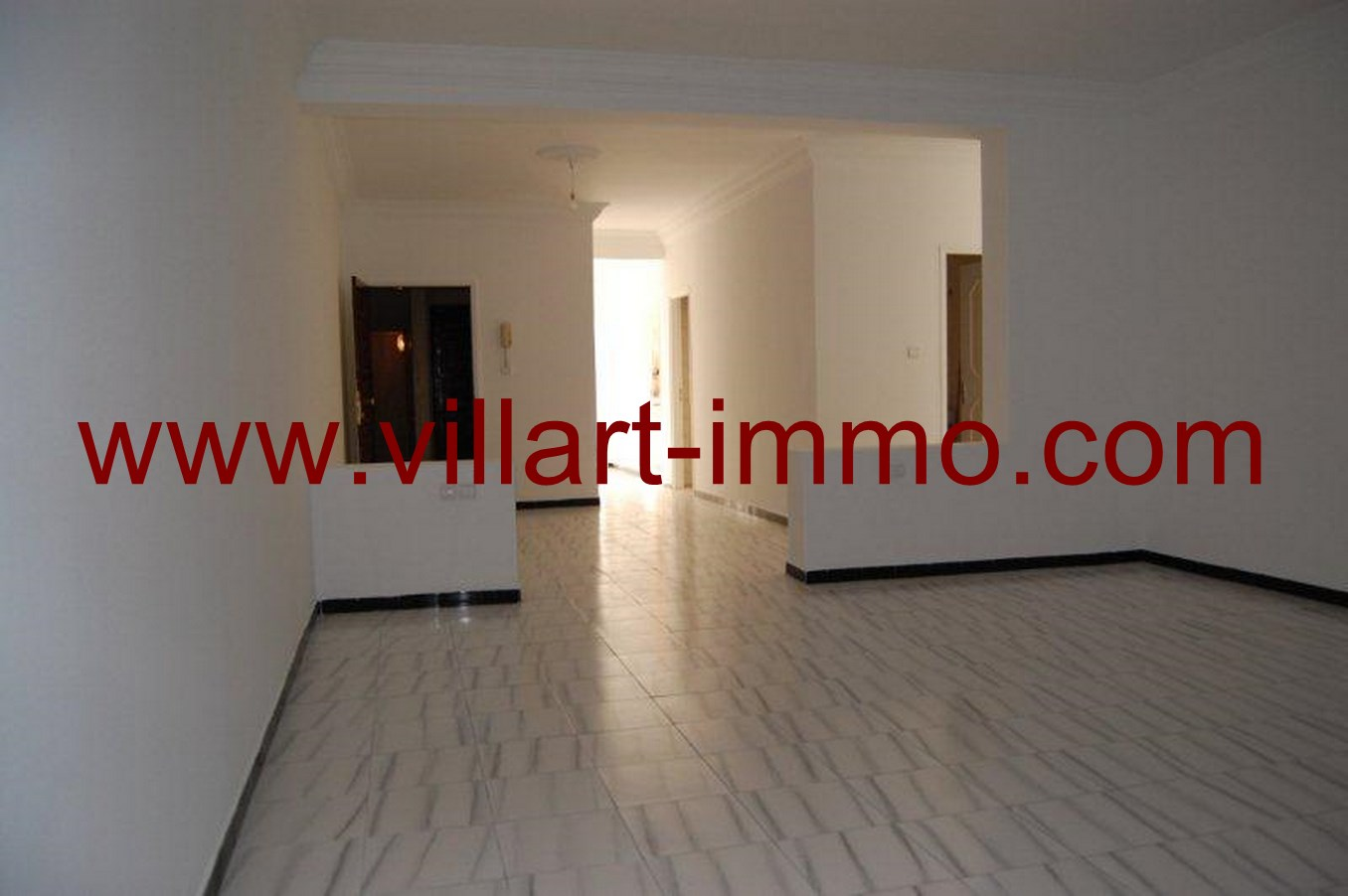 2-Location-Appartement-non meublé-Tanger-salon-L615-Villart-immo