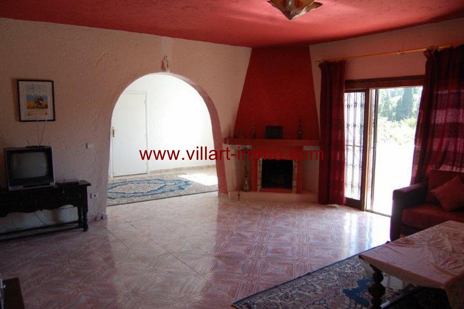 2-Vente-Villa-Tanger-Malabata-Salon 1-VV36-Villart Immo